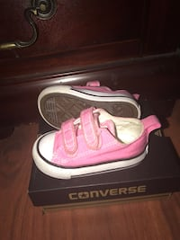 Infant size 4 Converse sneakers Raleigh, 27616