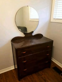 3 Drawer Dresser with Mirror St. Catharines, L2N 3X1