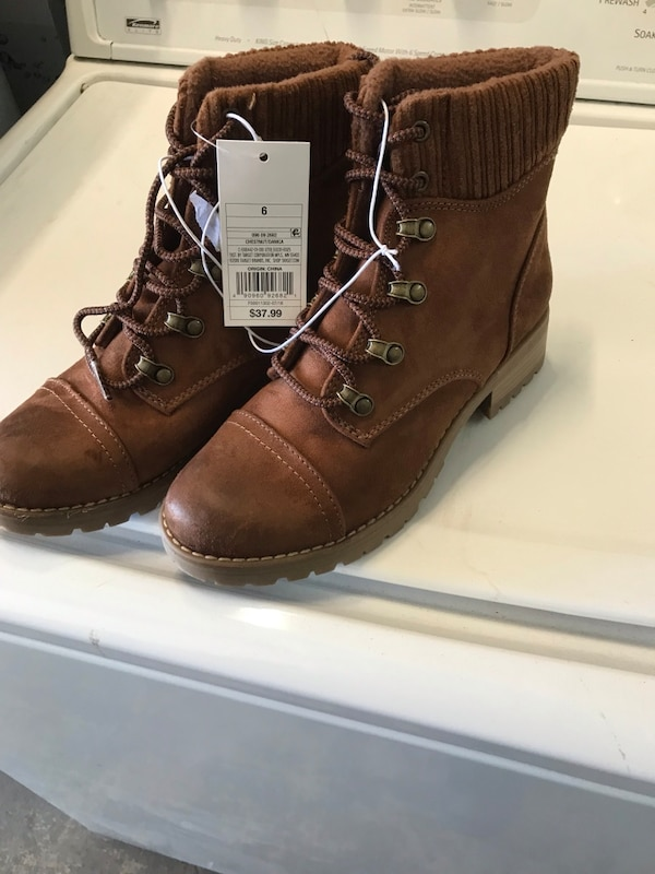 Brukt Womans Boots New Never Used Size 6 Have A Their Shoes Sneakers And Available Til Salgs I Philadelphia