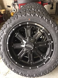 Off road wheels and tires package