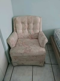 recliner(used)needs cleaning juice stain from kids Hollywood, 33020