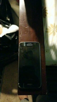 black Samsung Galaxy android smartphone