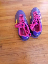 pair of purple-and-pink Nike running shoes Port Coquitlam, V3B