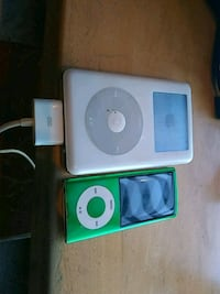 Two i pods great condition comes with charger Seattle, 98133