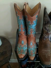 $400 boots for $100, worn 3 times! Clarksville, 37042