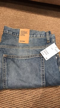 38/34 jeans deadstock h and m Vaughan, L4K 4X6