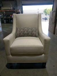 Brand New , off white accent chair, super comfy