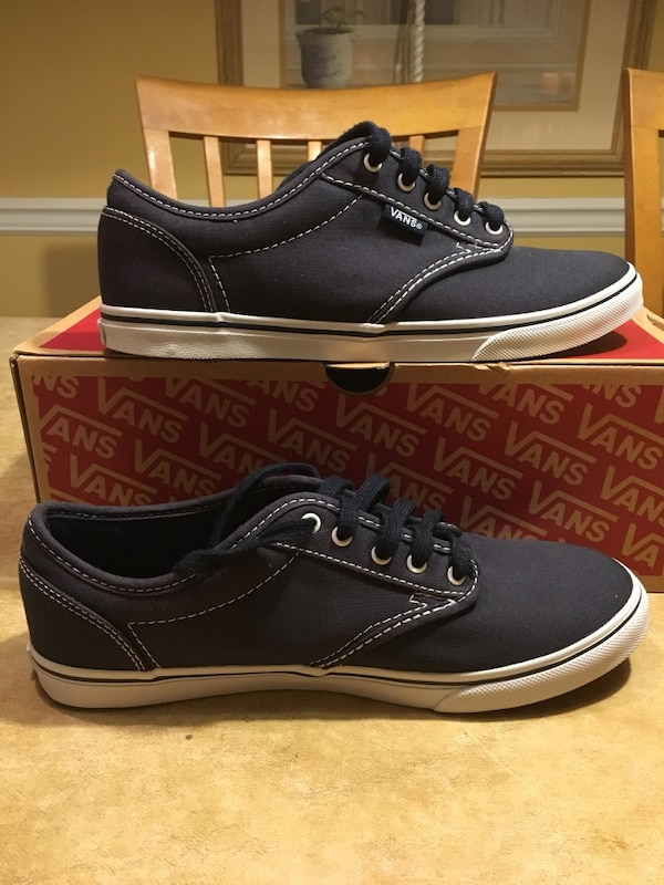 NEW!!! Vans Atwood Low Canvas Navy White Sneakers Adult Size 8 usagé ... 096d59007