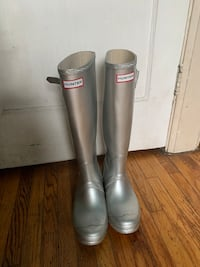 Authentic Silver Hunter boots  Toronto, M6E 3E7