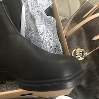 Black womans 7.5 New Blundstone one pair left !!!!