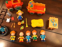 Caillou play set