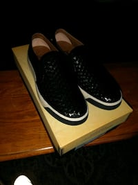 pair of black Nike low-top sneakers with box La Mirada, 90638