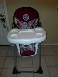 baby's white and pink high chair El Paso, 79925