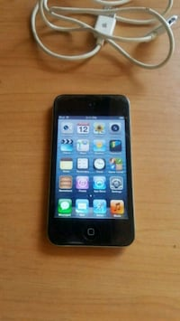 IPod touch 4th gen  Moreno Valley, 92557