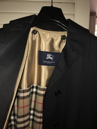 Burberry trench coat Towson, 21204