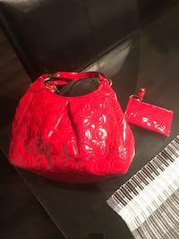 Authentic never worn coach purse and keychain wallet Calgary, T3R 0L1