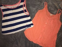 women's two assorted tank tops Farmersville, 93223