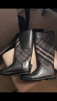 Pair of black leather rain boots Alexandria, 22314