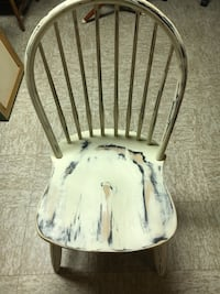 White wooden Windsor  back chair Hicksville, 11801