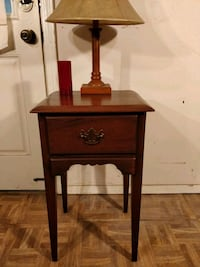 Nice solid wood night stand with drawer in very go Annandale, 22003