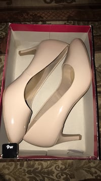 Nude heels size 9 worn once  Temple, 76501