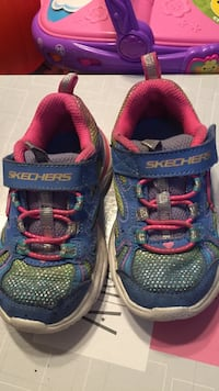 Toddlers size 6, must meet in bedford 157 mi