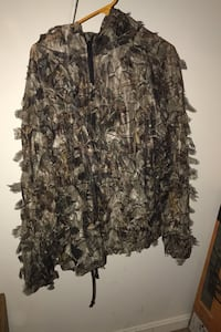 Red Head light weight camouflage size L/XL pants and jacket included.