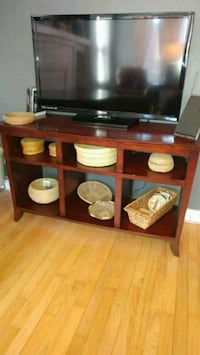 TV stand. Moving Must sell  Chicago, 60616