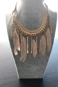 Feather and chain link necklace - Boho Style