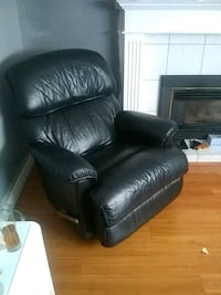 black leather recliner sofa chair Delta, V4C 2A7