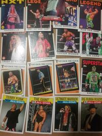 37 WWE trading cards