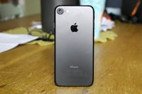 iPhone 7 (Factory Unlocked) - Comes w/ Box + 1 Month Warranty Springfield, 22150