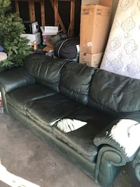 Leather sofa love seat Council Bluffs, 51501