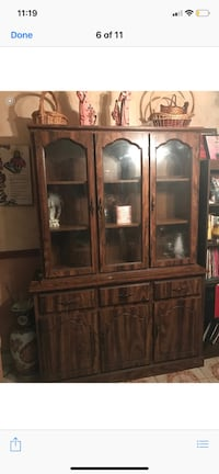 China hutch in excellent condition like new