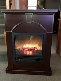 Beautiful Wood Electric Fireplace Cambridge, N3C 2V3