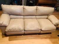 Leather (tan) couch w/pull out queen size new mattress Draper, 84020