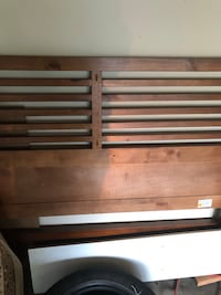 Queen bed head and foot board Algonquin, 60102