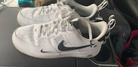 white-and-black Nike low top sneakers Cranbrook, V1C 6S3