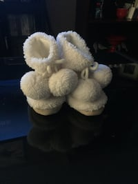 Baby girl booties  Keswick, L4P 3Y8