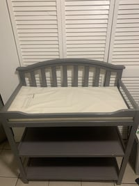 Changing diapers table