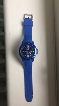 round blue Ice analog watch Dundas, L9H 2B7
