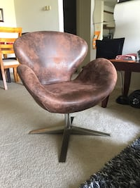 brown and black leather rolling armchair Manassas, 20109