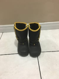 Black and Yellow snow boots Calgary, T3J 1B5