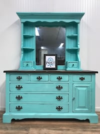 2pc teal dresser with hutch  Canby, 97013