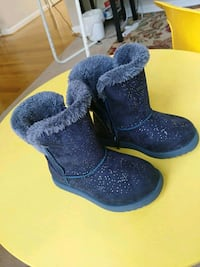 kids toddler boots size 9 barely used  Martinsburg, 25405