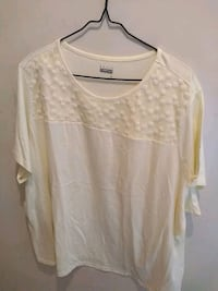 ladies shirt yellow size 3X New York, 10019