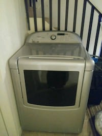 white front-load clothes washer 1026 mi