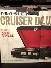 Crosley CR8005D-BK Cruiser Deluxe Portable 3-Speed Turntable with Bluetooth, Black Toronto