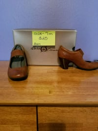 pair of brown leather heeled shoes Diana, 75640