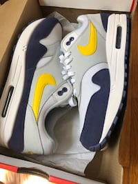 Nike sneakers for sale size 8.5 New York, 11374